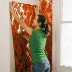 Comment coller du papier peint sur une peinture à l'huile: préparer et effectuer un travail de base