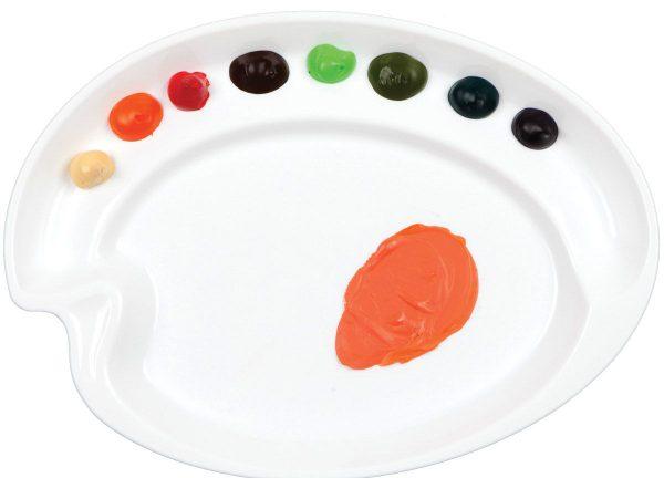 Mélanger les couleurs pour obtenir une nouvelle couleur doit être sur un fond blanc