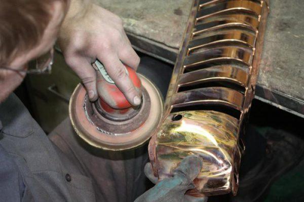 Préparation des pièces pour chromage