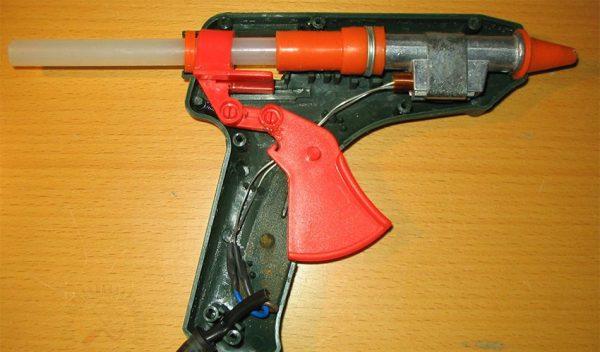 Dispositif de pistolet à colle