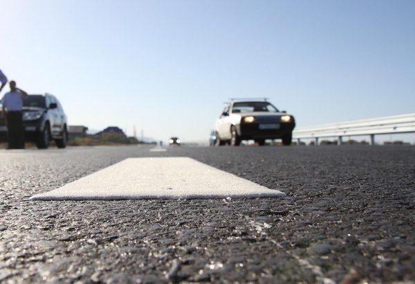 Le marquage routier thermoplastique résiste avec succès aux intempéries